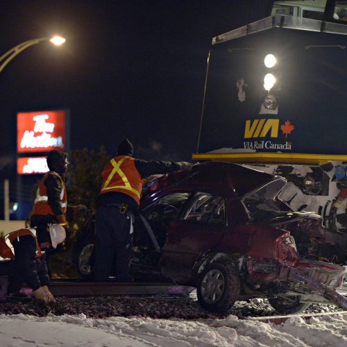 Accident de train et une voiture