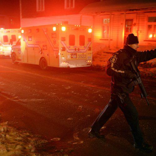 fusillade ste-foy, un policier et 2 ambulances