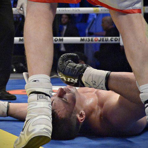 combat de boxe au centre vitdeotron Simon Kean vs Dillon Carman