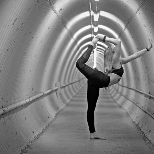 Yoga dans un tunnel