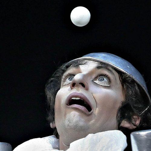 cirque du soleil un clown