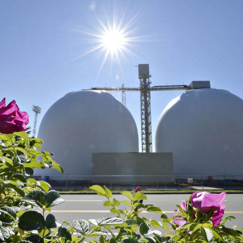 2 silos dans le port de Québec
