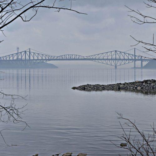pont de Québec vu de loin