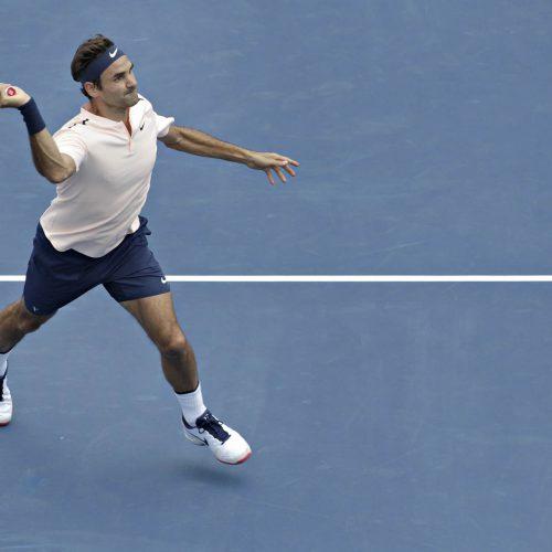 Roger Federer en plein match de tennis
