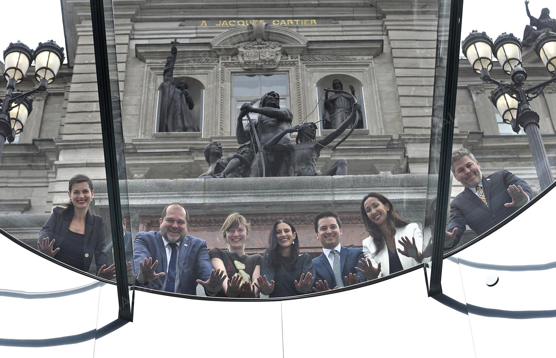 les etoiles de l'assemblee nationale Portrait Geneviève Guilbault (CAQ), Harold LeBel (PQ), Catherine Dorion (QS), Méganne Perry-Melançon (PQ), Simon Jolin-Barrette (CAQ), Marwah Rizqy (PLQ) et Pascal Bérubé (PQ)