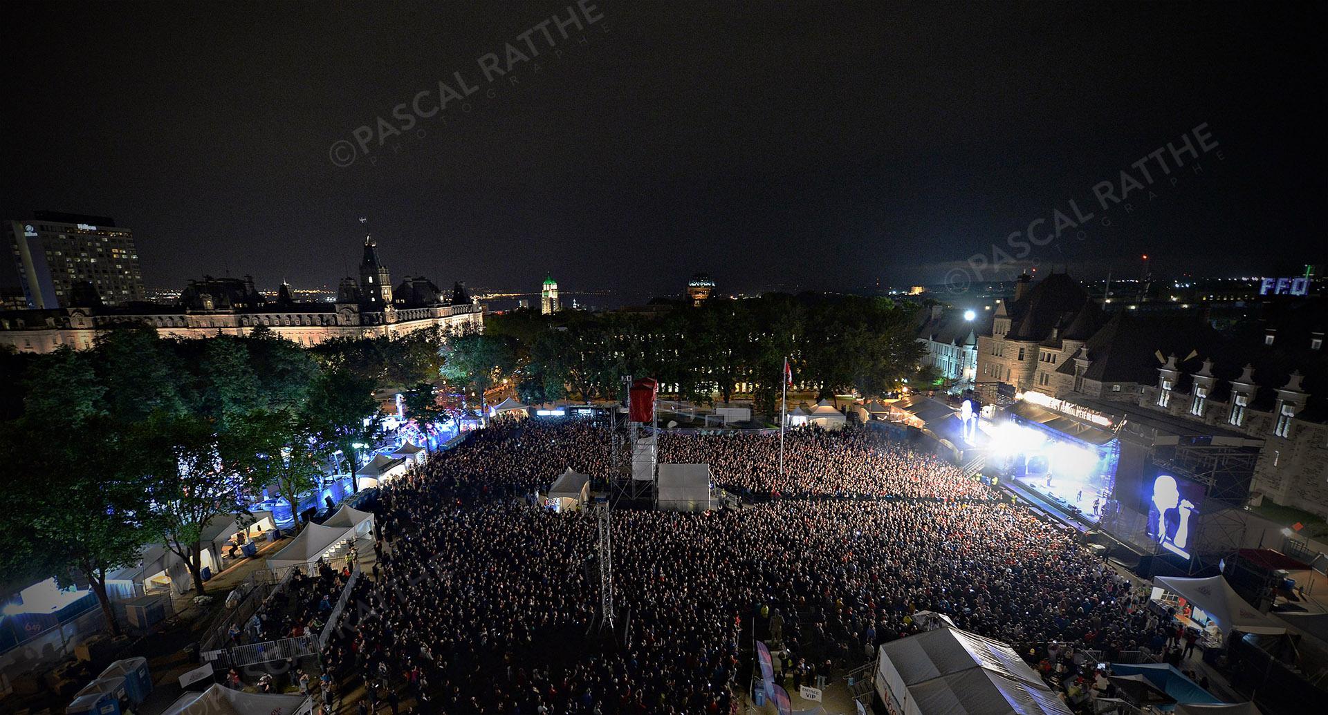 festival d'été 2019 la foule a place Goerge V