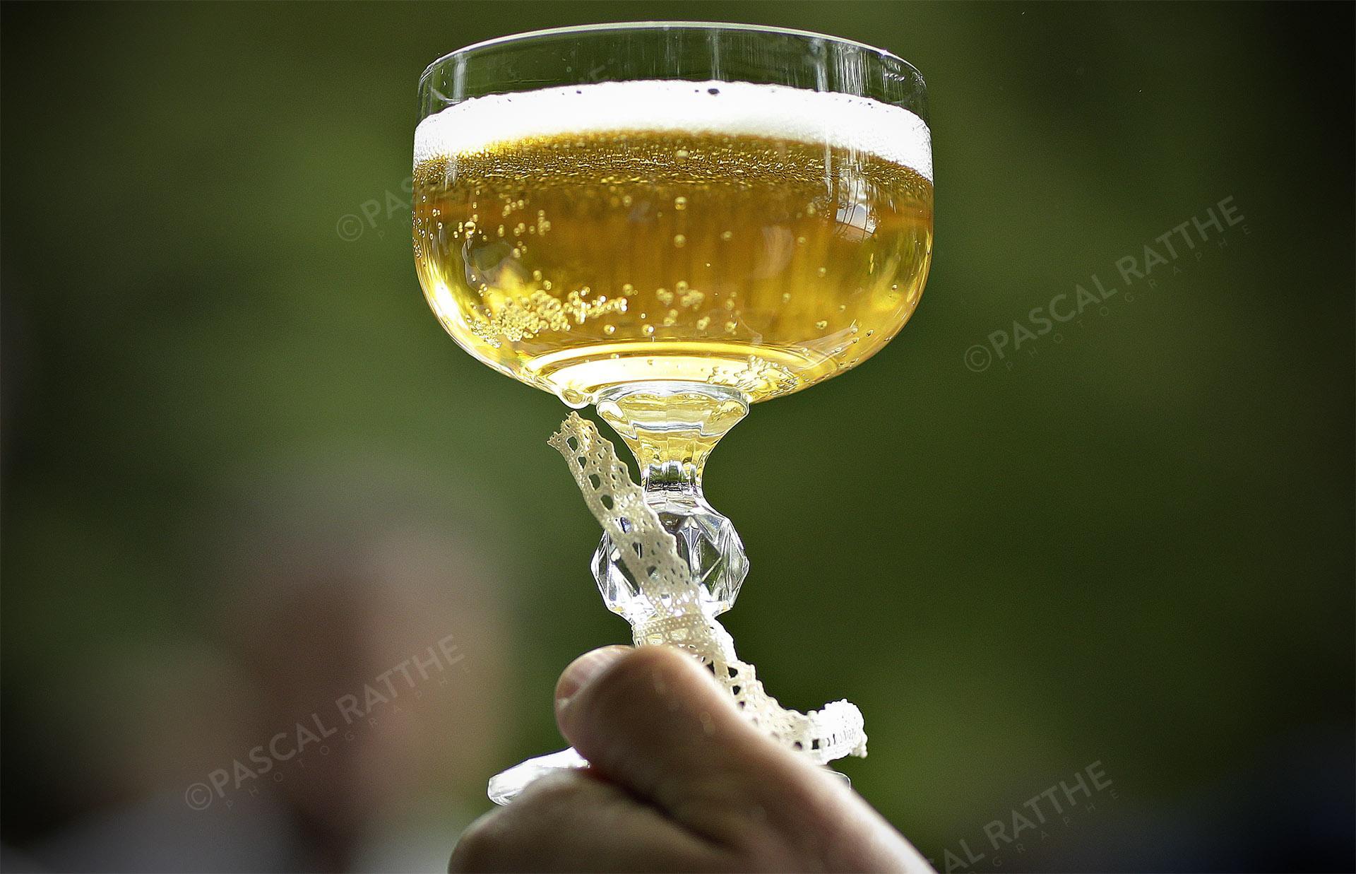 levons le verre aux mariés