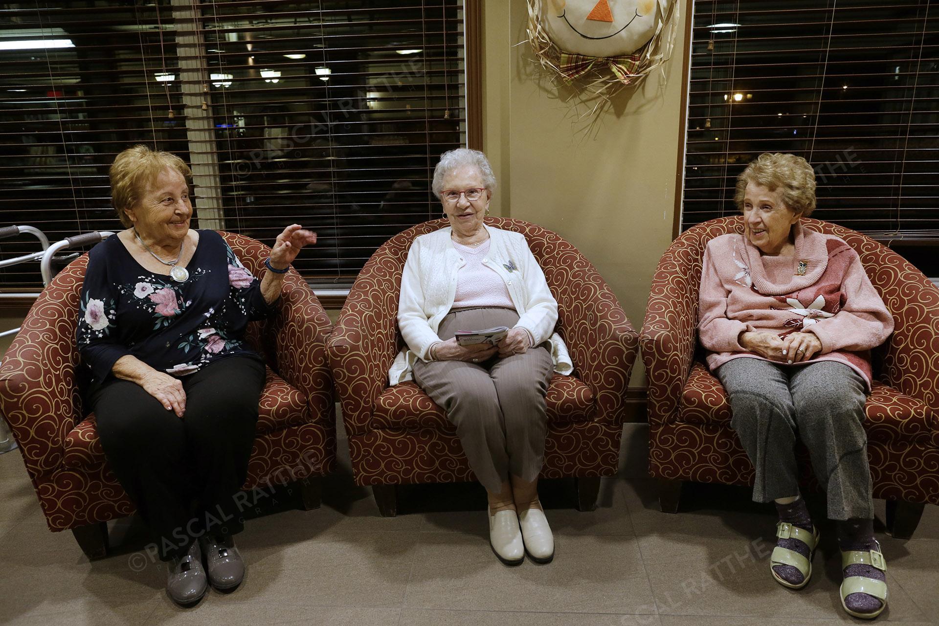 trois dames du 3e âge