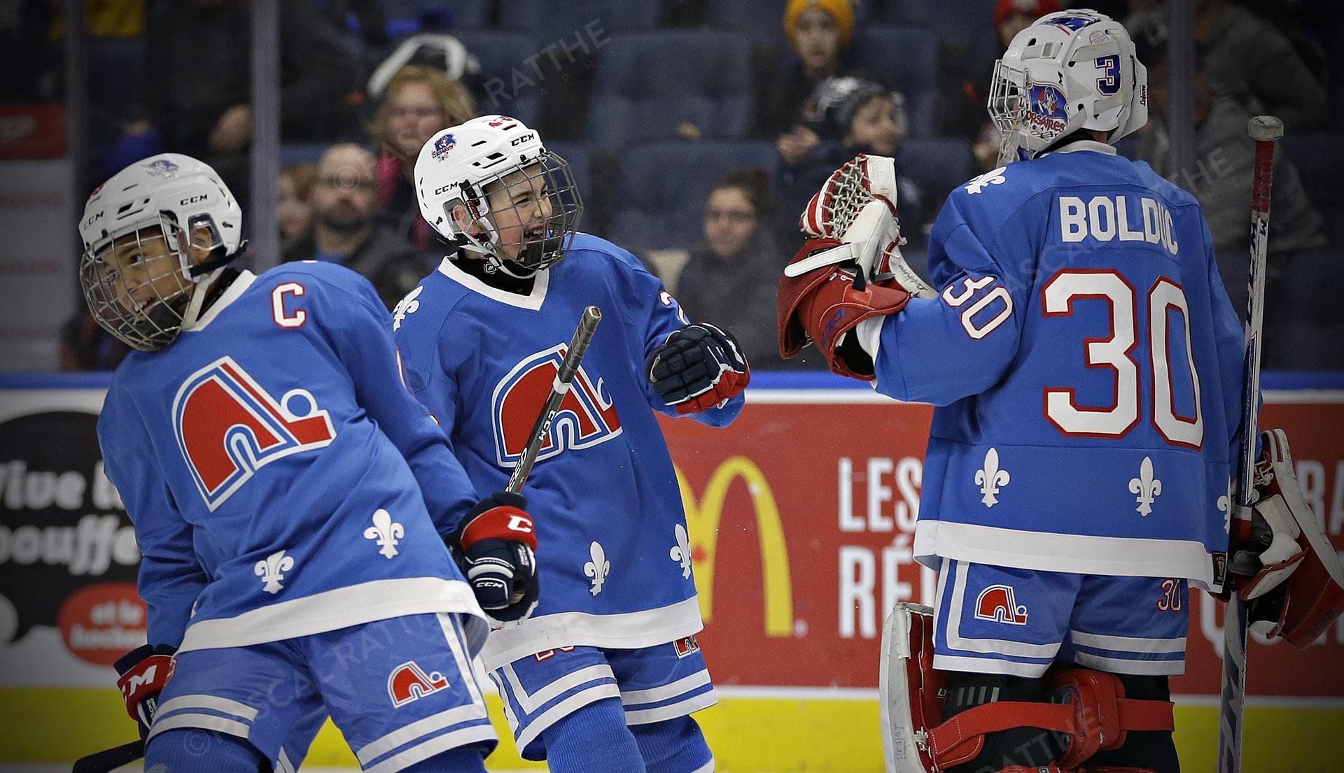 les petits nordiques au tournoi de hockey pee-wee de Québec